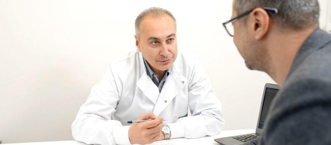 Quais os sintomas de DSTs no homem?